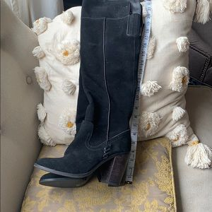 Gorgeous over the knee black suede boots
